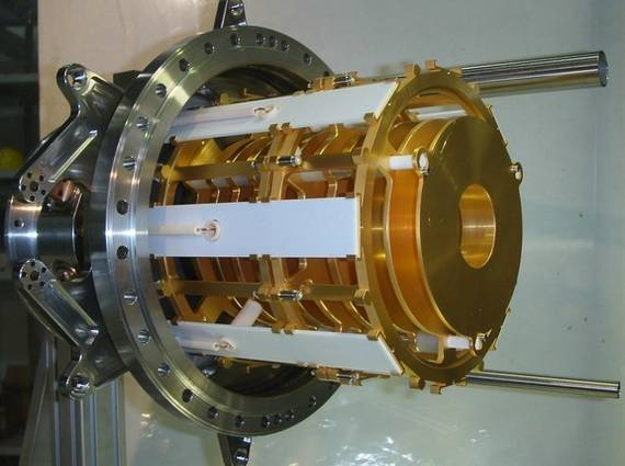The cryogenic ion trap used as a prototype for the CSR